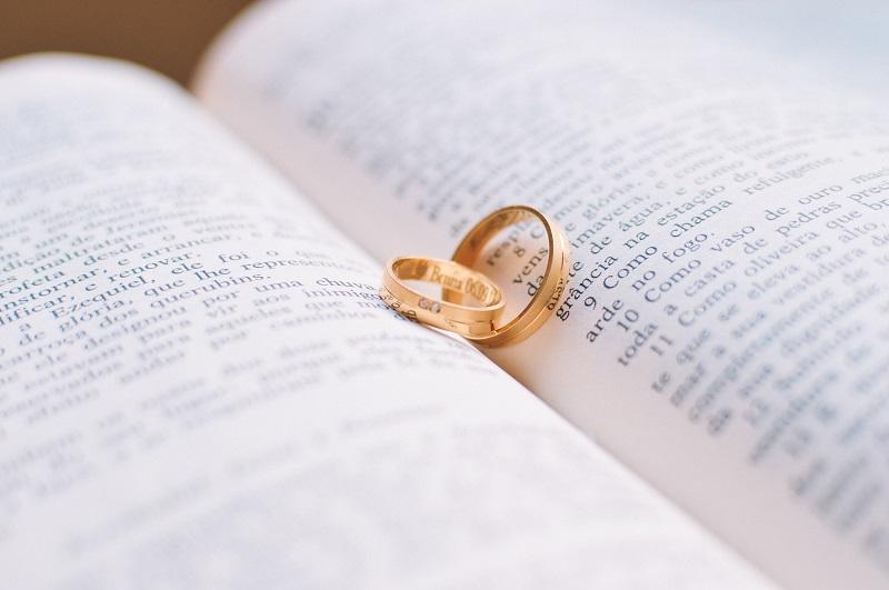 Hochzeit_Bibel_Ehering
